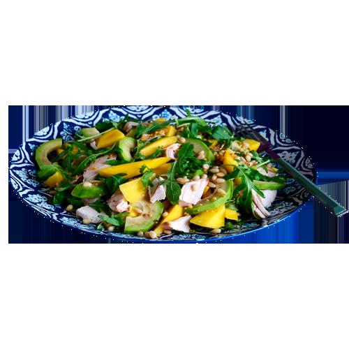 Ананасовый куриный салат с заправкой из авокадо